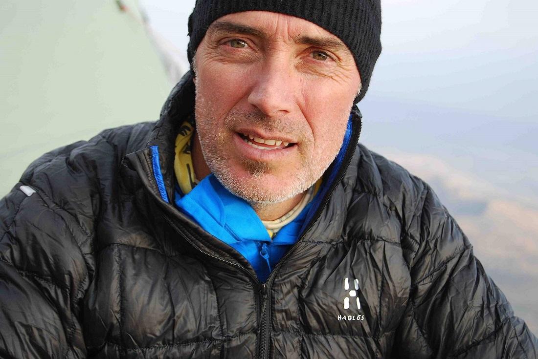 Javier Campos se propone en 3 meses invernales subir 50 cumbres en toda España.