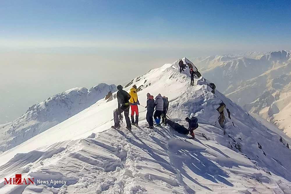 Doce personas en total fallecieron como consecuencia de las avalanchas en Irán.