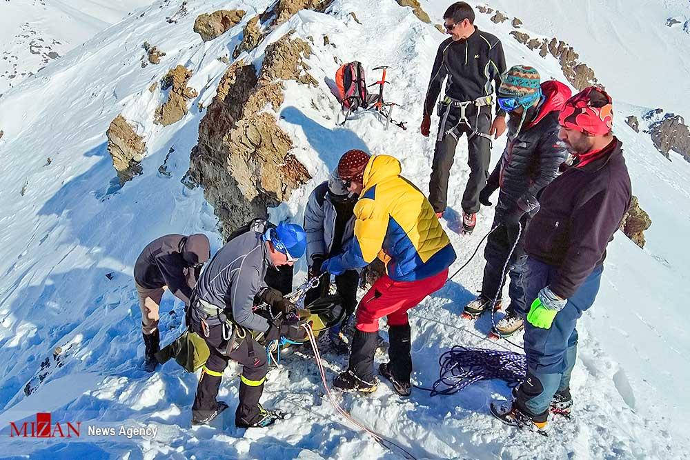 Las avalanchas fueron consecuencia de intensas nevadas y vientos durante el día previo.