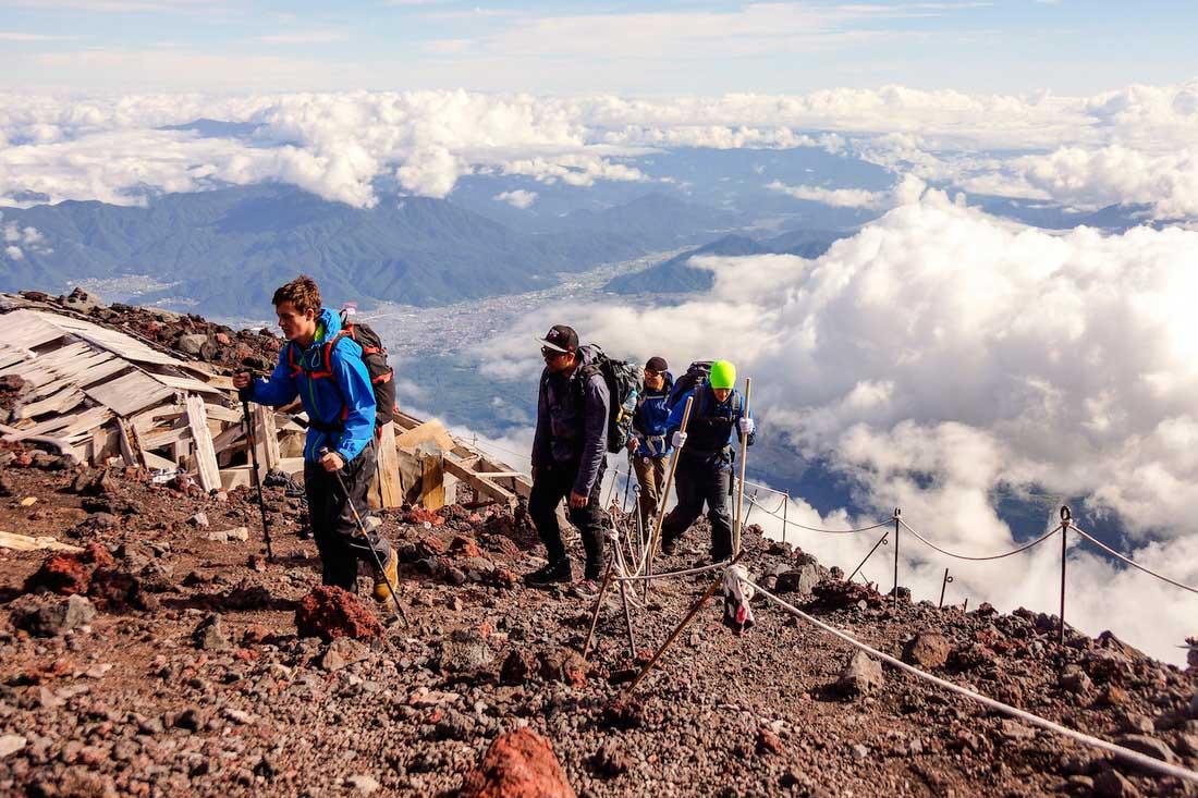 Unos 150.000 visitantes por año recibe el volcán Fuji, emblema del Japón. (Ph Fuji Mountain Guides)