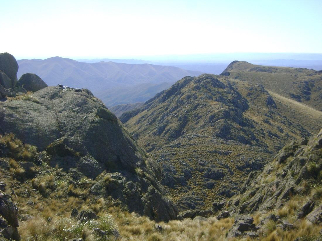 Vista desde el cerro Uritorco, Córdoba, Argentina. La máquina de impedir comenzó a funcionar.