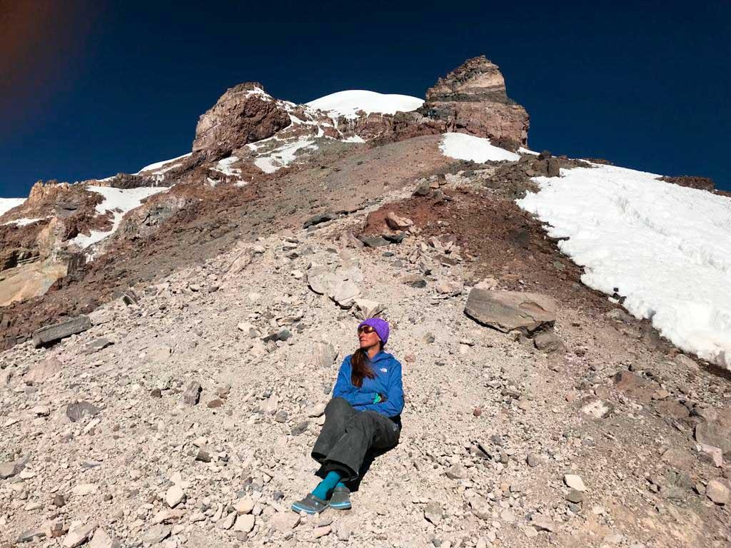 De a poco, Mac-Gibbon fue ganando experiencia y se fue animando al montañismo en solitario.
