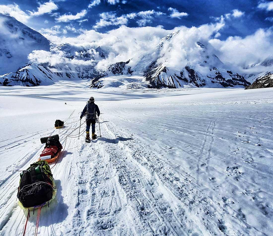 Denali es la única seven Summit donde los deportistas deben portear sus equipos.