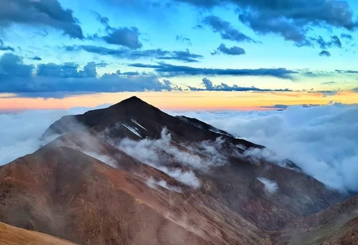 Cumbres Riojanas, cinco cumbres en La Rioja entre septiembre y marzo.