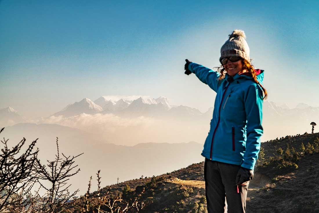 Everest y Lhotse en el horizonte, punto visual culminante en el Cultural Trail en Himalaya.