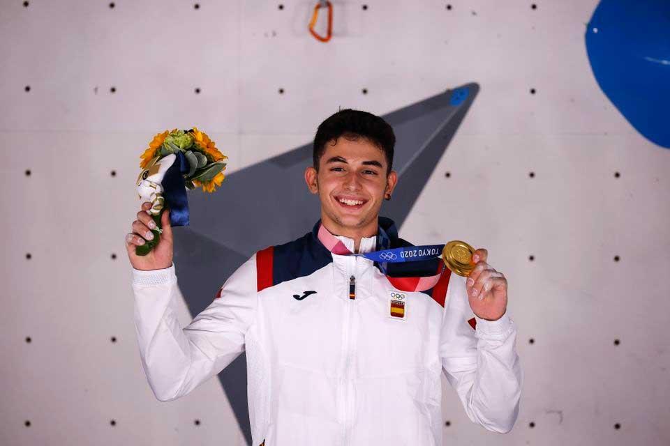 Oro olímpico en escalada para Alberto Ginés López, de España. (Ph Reuters - Maxim Shemetov)