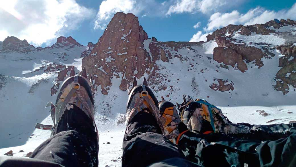 Montaña y aventura en el majestuoso marco escénico de Las Cuevas, Mendoza.