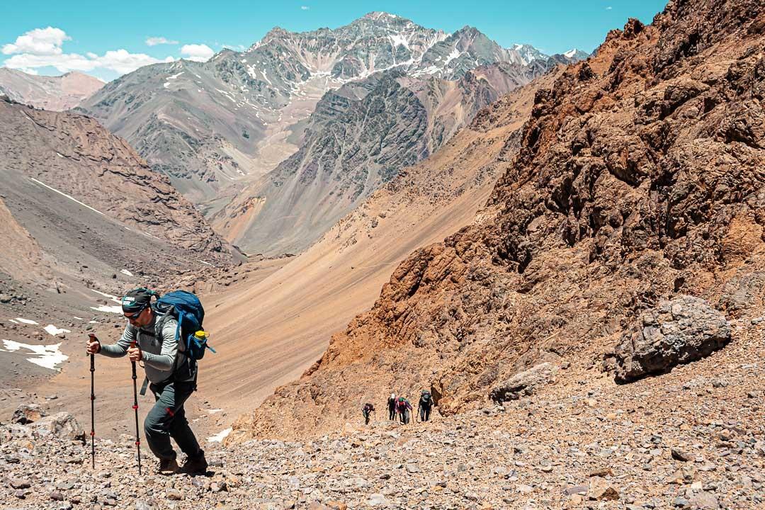 Trekking en Las Cuevas, Parque Provincial Aconcagua. Ph: Lucía Coronel.