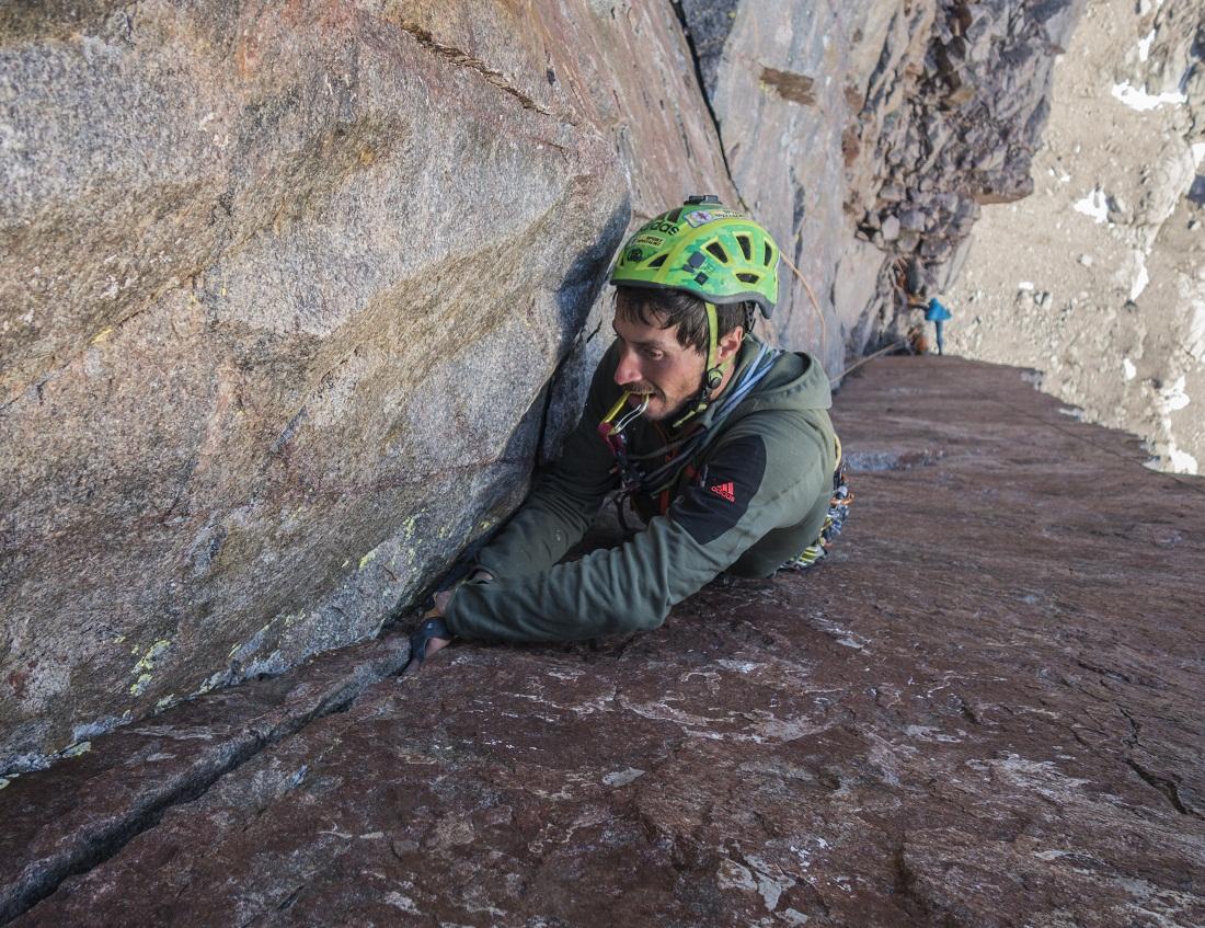 """""""Trabajando"""" la pared de roca en Baffin, Canadá, en 2016."""